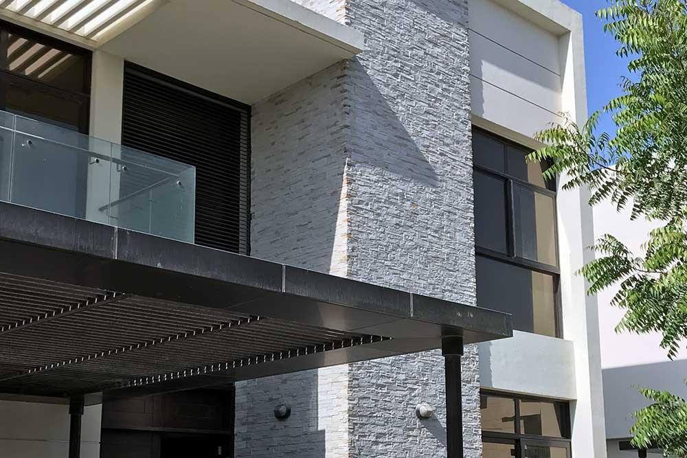 dekorativni kamen na fasadi